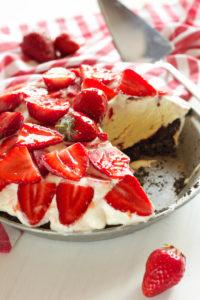 strawberry-cheesecake-ice-cream-pie-2-200x300 strawberry-cheesecake-ice-cream-pie-2