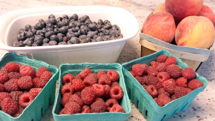 4.1 Fresh Peach, Raspberry and Blueberry Cobbler