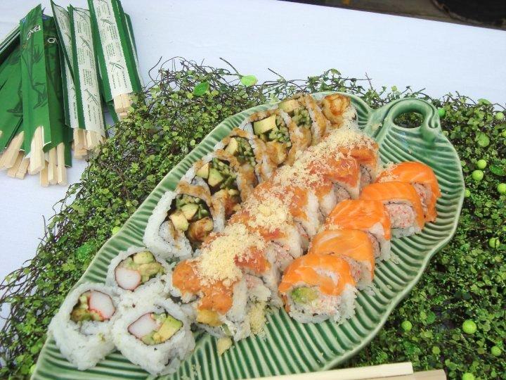 Sushi JAPANESE SUSHI ROLLS FOR CHRISTMAS